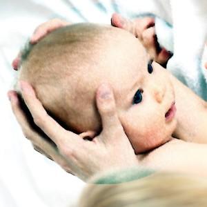 contatto cranio bambino